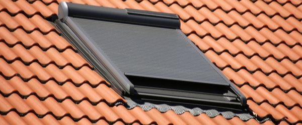 Fenetre de toit fixe : conseils et pose | AlloFenetre.com